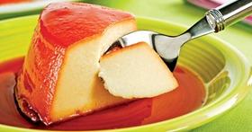 Pudim cremoso de mandioca com queijo
